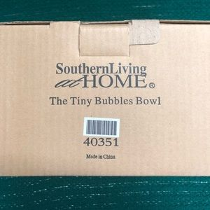 Southern living at home Accents - Tiny bubbles bowl new in box